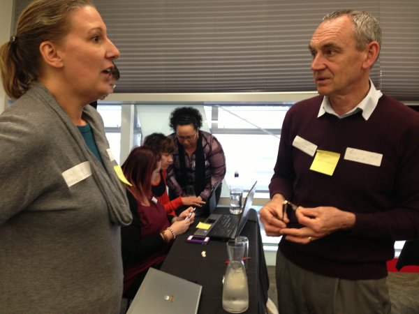 e-Leaders finding e-buddies and swapping e-learning needs/strengths and contact details